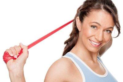 Durch regelmäßiges Training mit einer Pilates-Rolle bleiben Sie fit und beweglich!
