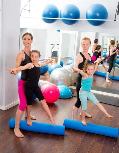 Training mit Pilates-Rolle