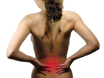 Durch Verkleben der Faszien kann es zu (Rücken-) Schmerzen kommen.